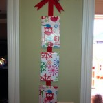 Pinterest: Easy Christmas Wall Decoration